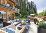 the-lodge_outdoor-hot-tub-and-terrace