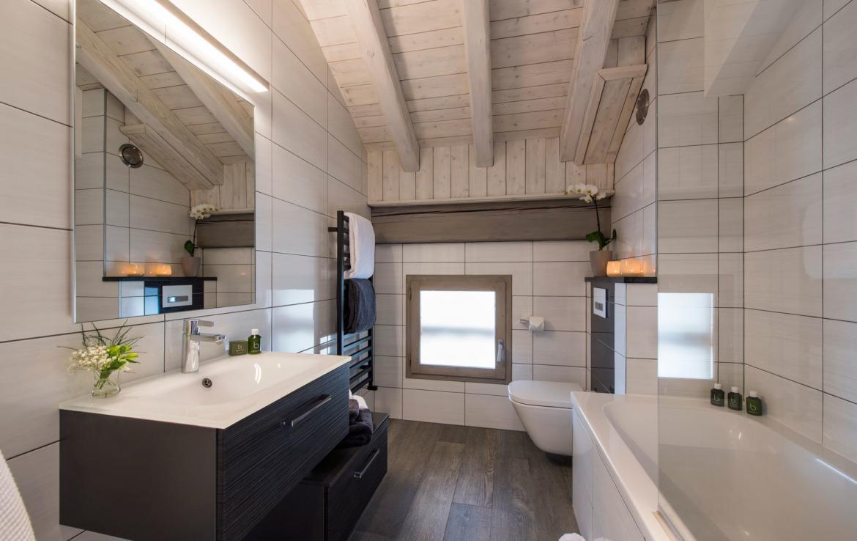 4-salle-de-bain-chalet-meribel