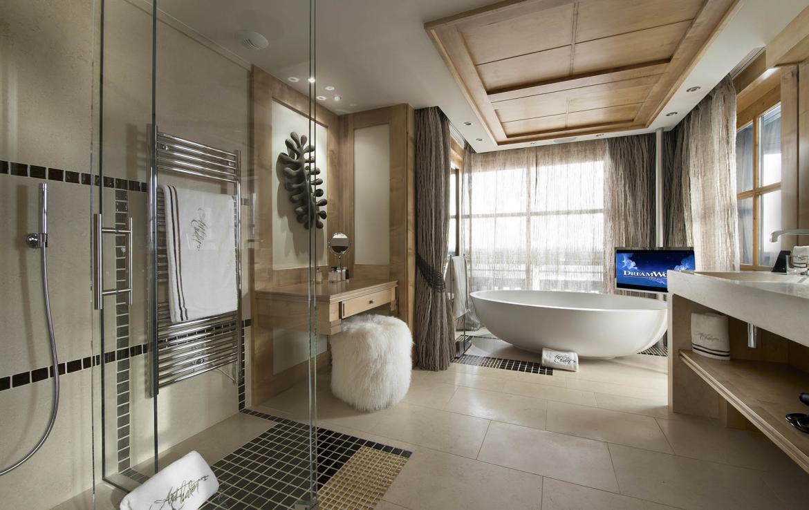 BATHROOM MASTER 2 ART CHALET COURCHEVEL