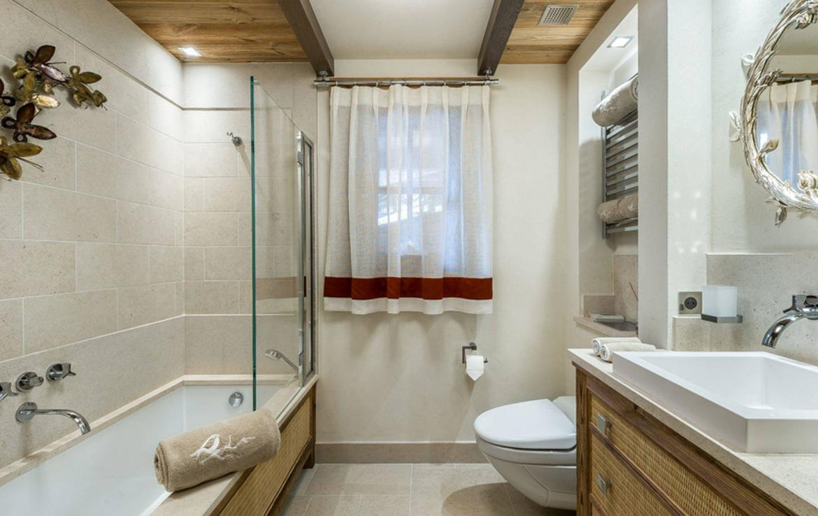 bathroom in exclusive chalet courchevel