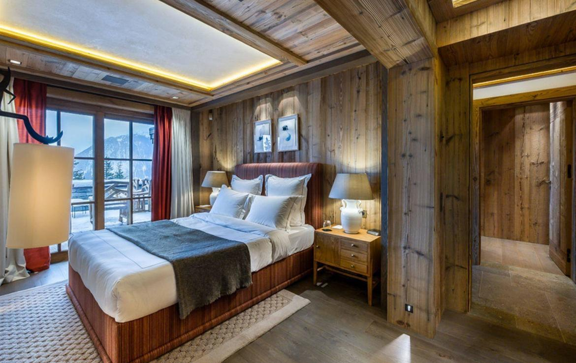 beautiful bedroom chalet courchevel