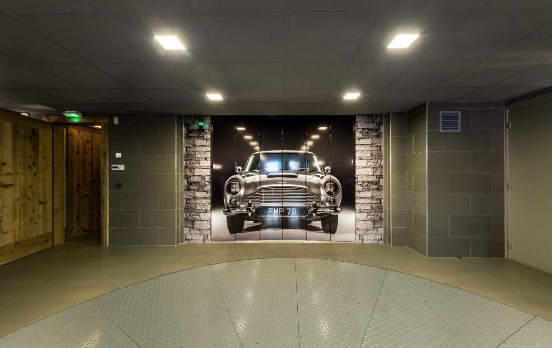 car lift chalet