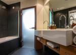 Hermes-bathroom-in-Chalet-Artemis-Bath-view