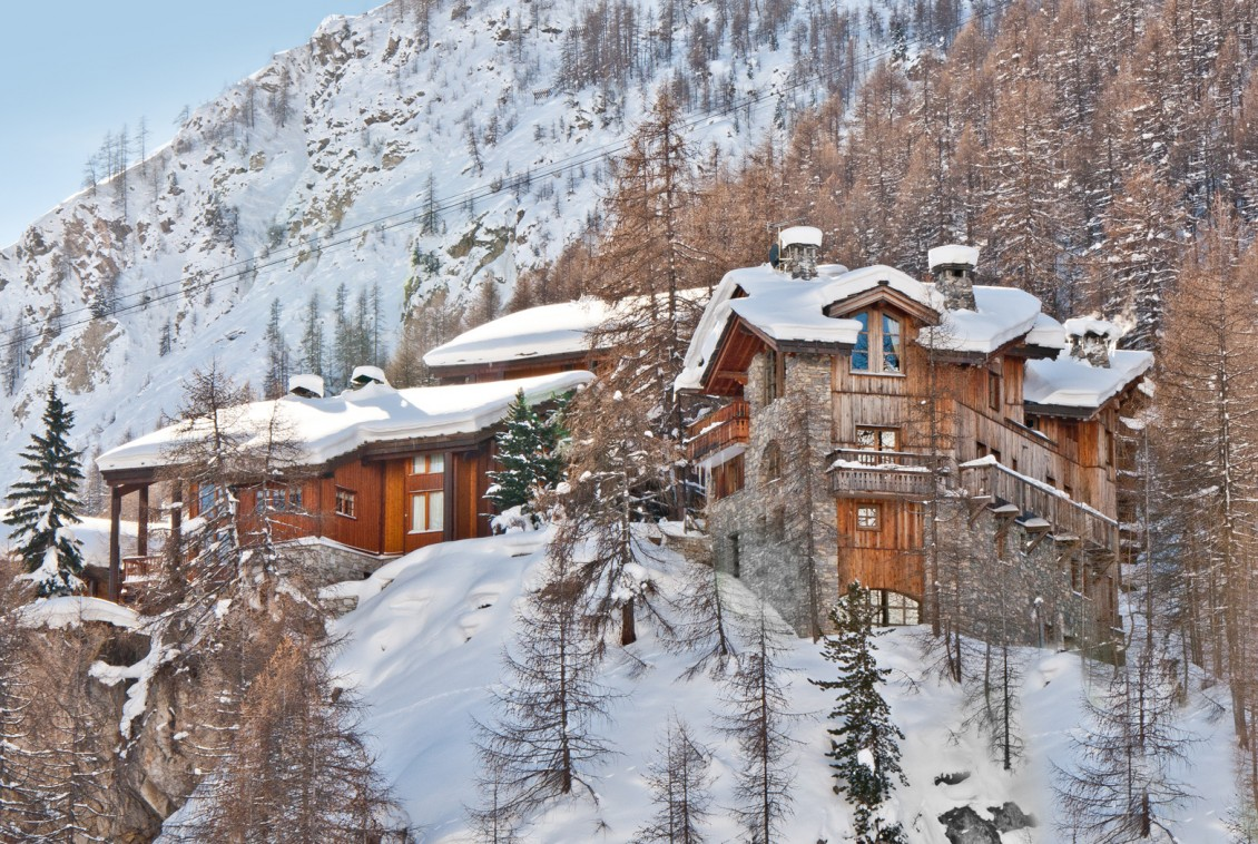 Kings-avenua-val-disere-snow-chalet-childfriendly-hammam-swimming-pool-covered-parking-outdoor-jacuzzi-elevator-boot-heaters-fireplace-area-val-disere-012