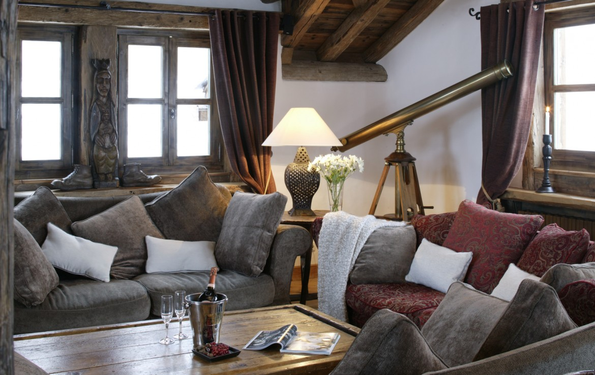 Kings-avenua-val-disere-snow-chalet-childfriendly-hammam-swimming-pool-covered-parking-outdoor-jacuzzi-elevator-boot-heaters-fireplace-area-val-disere-012-5