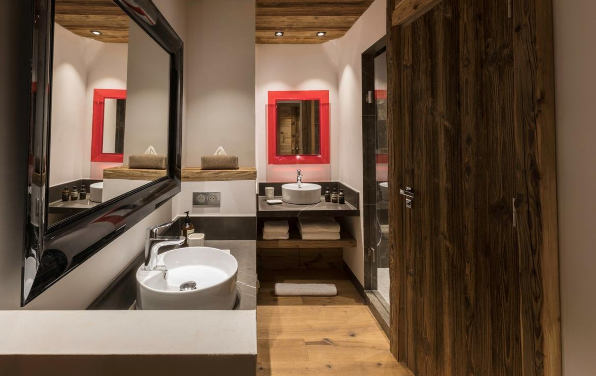 Kings-avenua-val-disere-snow-chalet-hammam-covered-parking-fireplace-ski-in-ski-out-massage-room-boot-heaters-area-val-disere-018-10