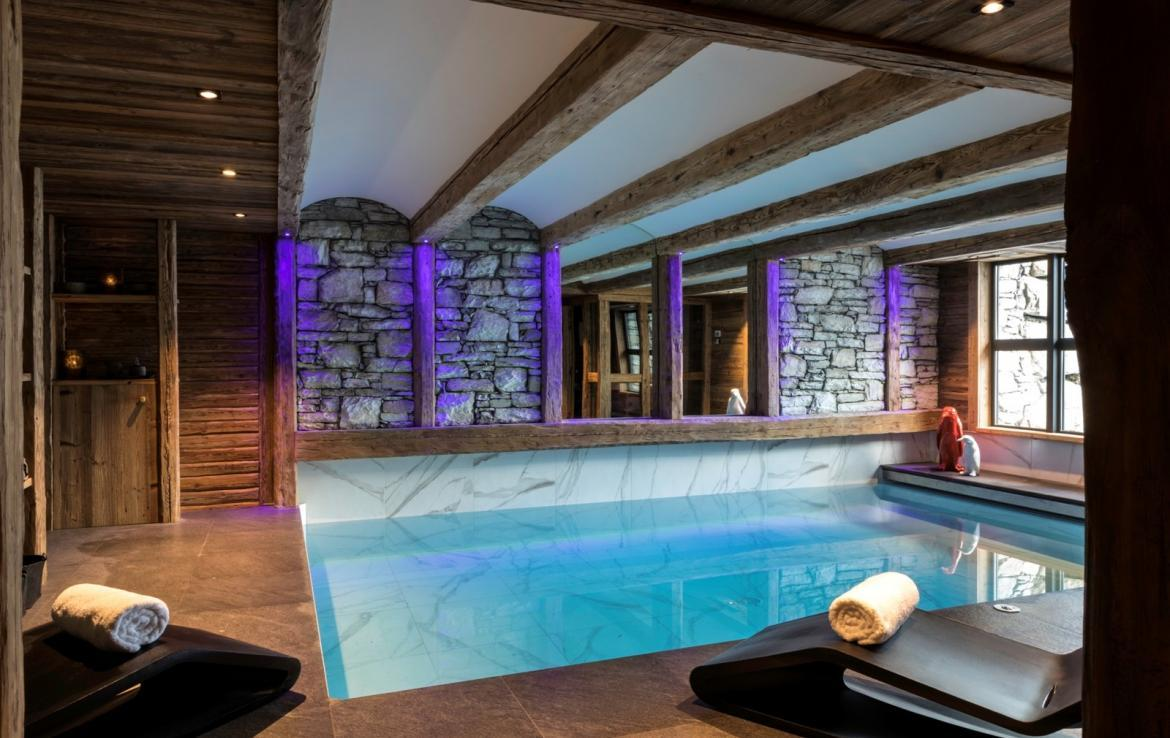 Kings-avenua-val-disere-snow-chalet-hammam-covered-parking-fireplace-ski-in-ski-out-massage-room-boot-heaters-area-val-disere-018-7