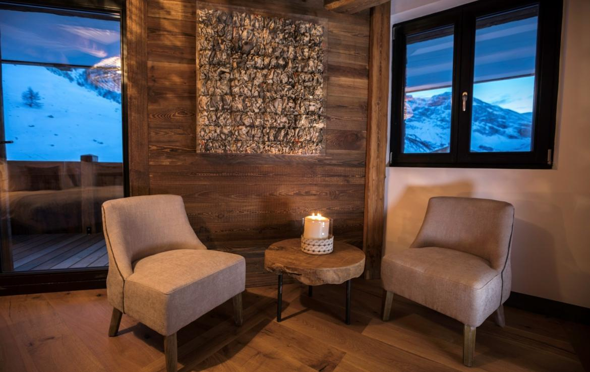 Kings-avenua-val-disere-snow-chalet-hammam-covered-parking-fireplace-ski-in-ski-out-massage-room-boot-heaters-area-val-disere-018-9