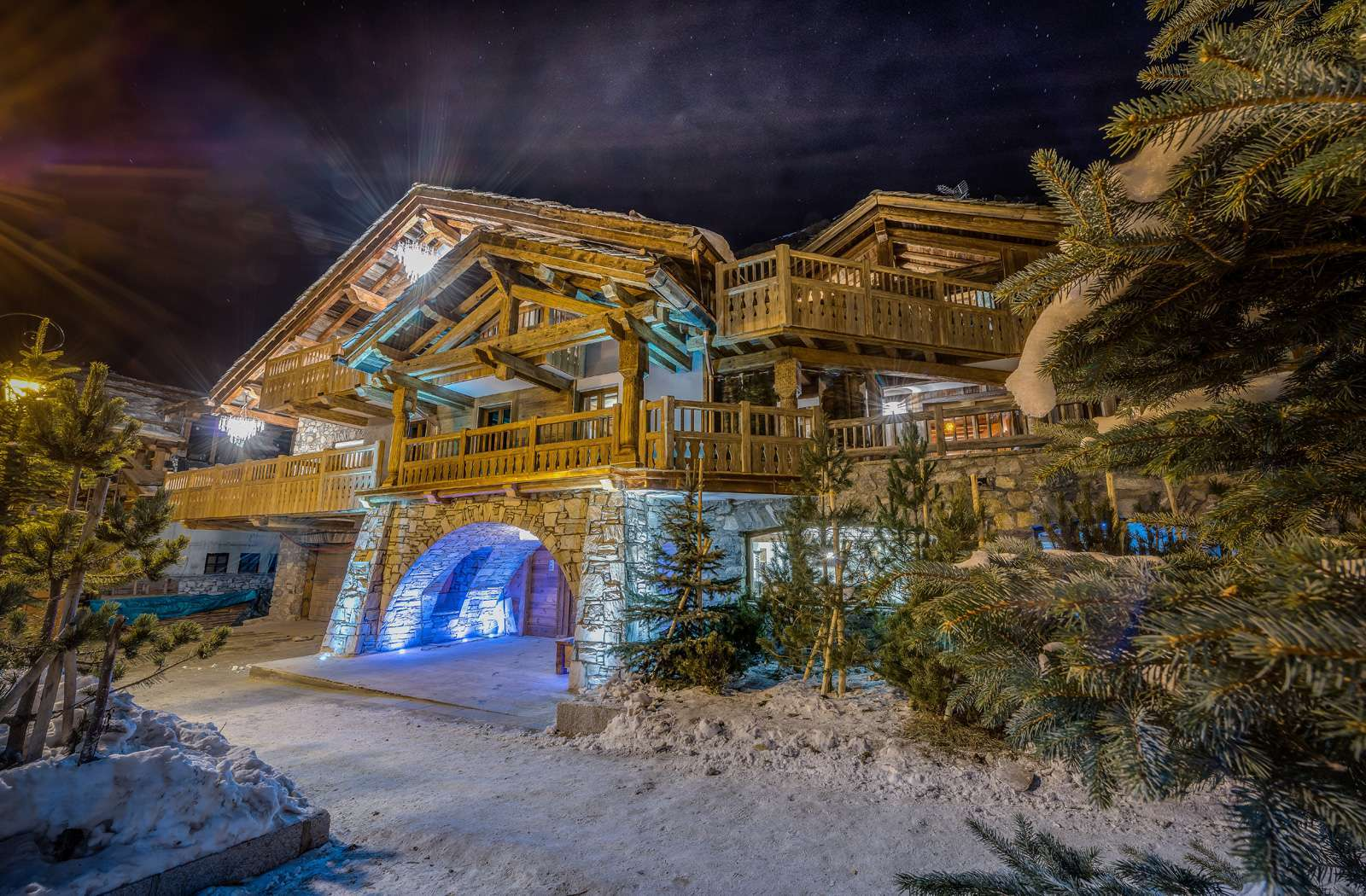 Kings-avenua-val-disere-snow-chalet-hammam-swimming-pool-childfriendly-parking-cinema-boot-heaters-fireplace-gym-wine-cellar-area-val-disere-006-1