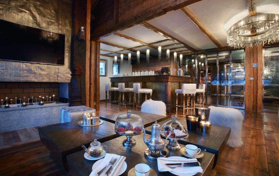 Kings-avenua-val-disere-snow-chalet-jacuzzi-hammam-swimming-pool-childfriendly-cinema-games-room-boot-heaters-fireplace-massage-room-lift-terrace-area-val-disere-001-7