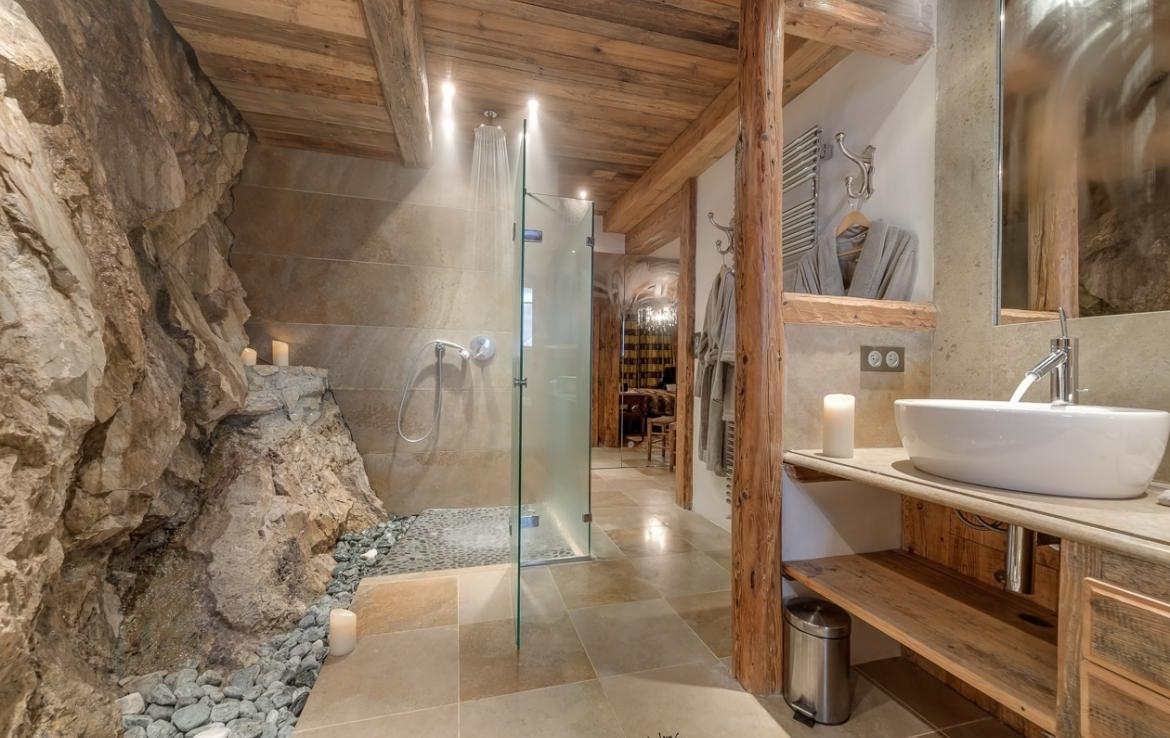 Kings-avenua-val-disere-snow-chalet-outdoor-jacuzzi-hammam-swimming-pool-childfriendly-gym-foot-heaters-fireplace-bar-massage-room-lift-area-val-disere-003-10