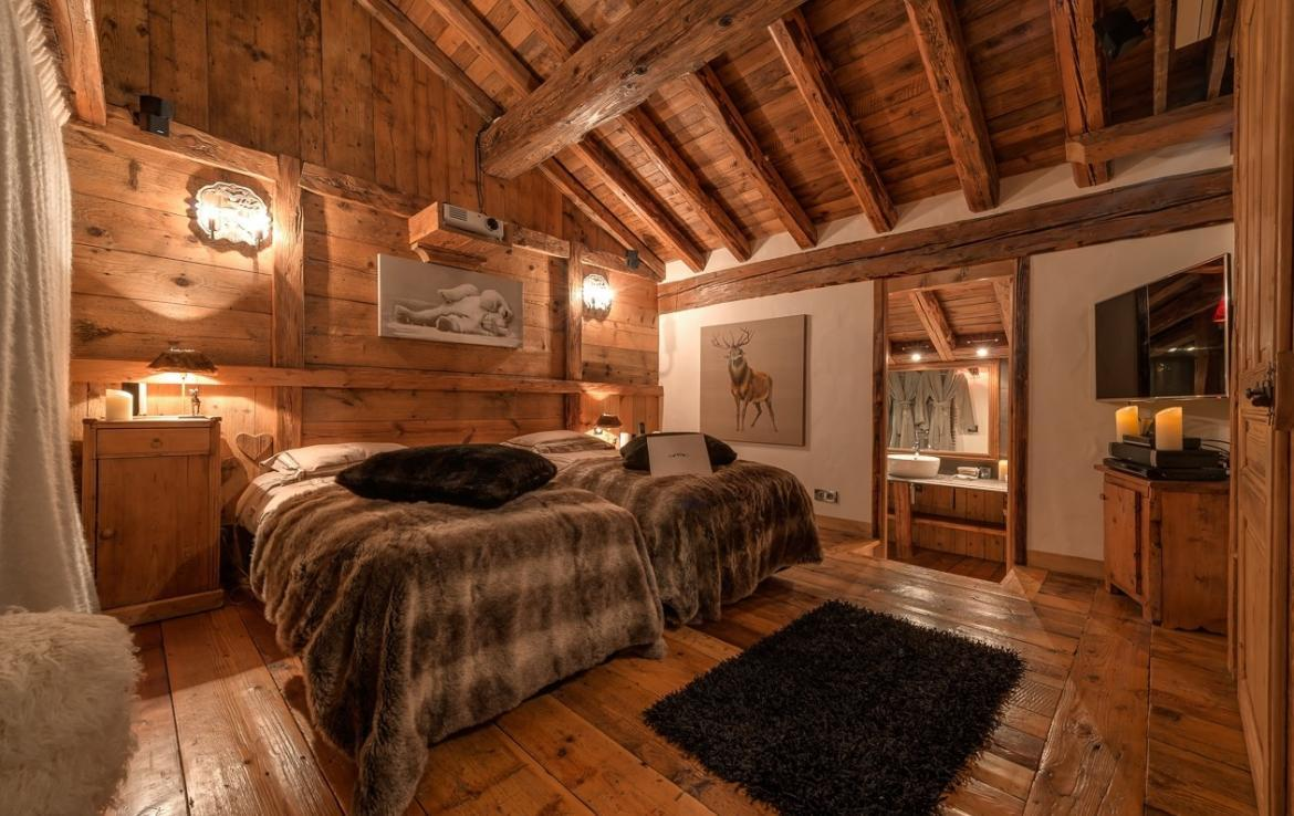Kings-avenua-val-disere-snow-chalet-outdoor-jacuzzi-hammam-swimming-pool-childfriendly-gym-foot-heaters-fireplace-bar-massage-room-lift-area-val-disere-003-13