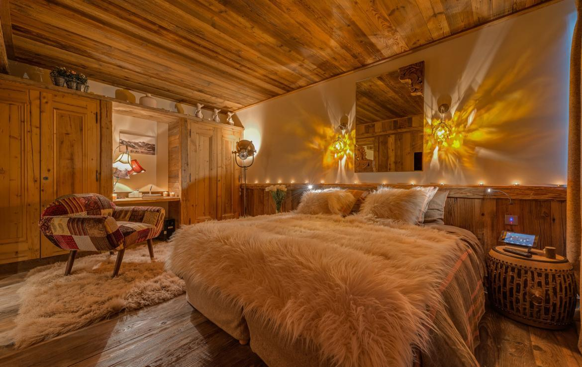 Kings-avenua-val-disere-snow-chalet-sauna-indoor-jacuzzi-hammam-swimming-pool-childfriendly-covered-parking-gym-fireplace-massage-room-area-val-disere-009-21