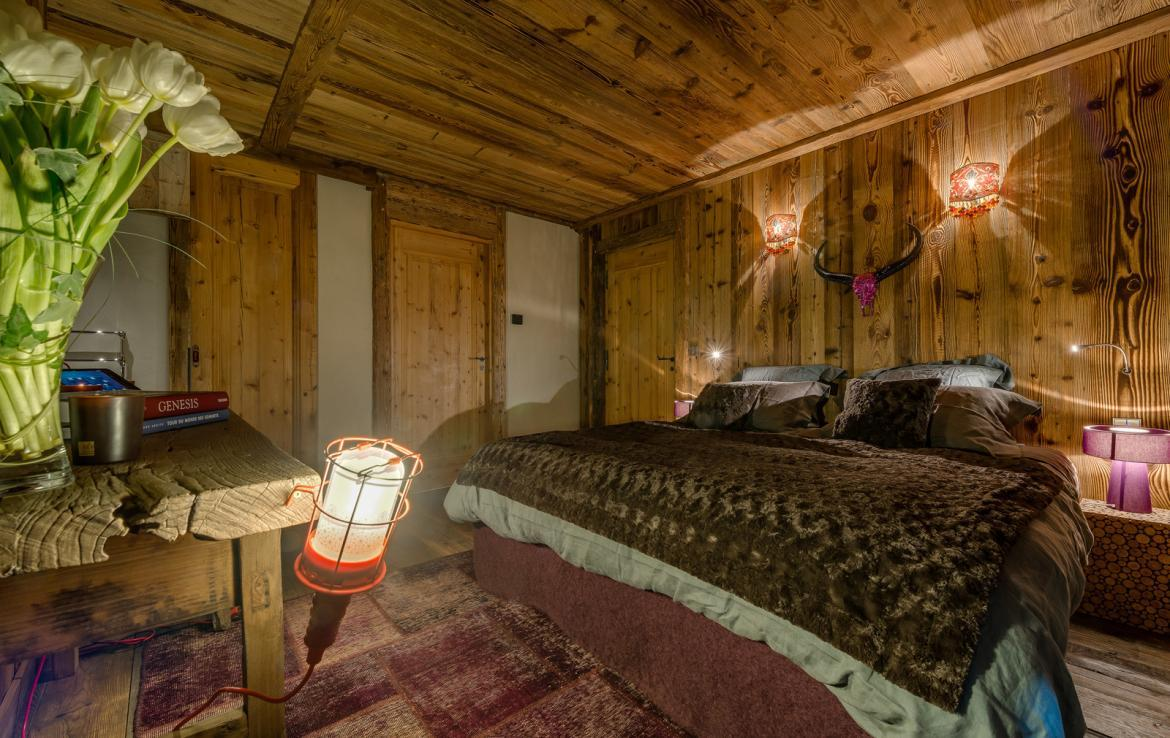 Kings-avenua-val-disere-snow-chalet-sauna-indoor-jacuzzi-hammam-swimming-pool-childfriendly-covered-parking-gym-fireplace-massage-room-area-val-disere-009-23