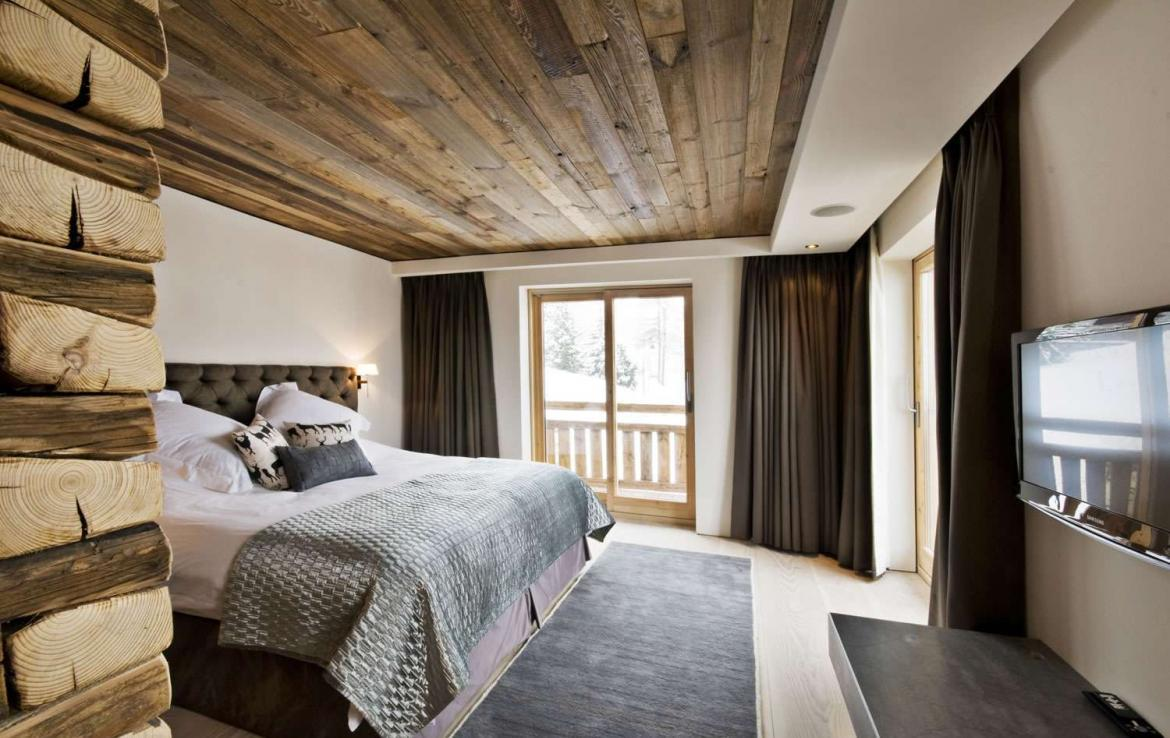 Kings-avenua-val-disere-snow-chalet-sauna-jacuzzi-hammam-childfriendly-parking-fireplace-ski-in-ski-out-wine-cellar-massage-room-area-val-disere-008-10