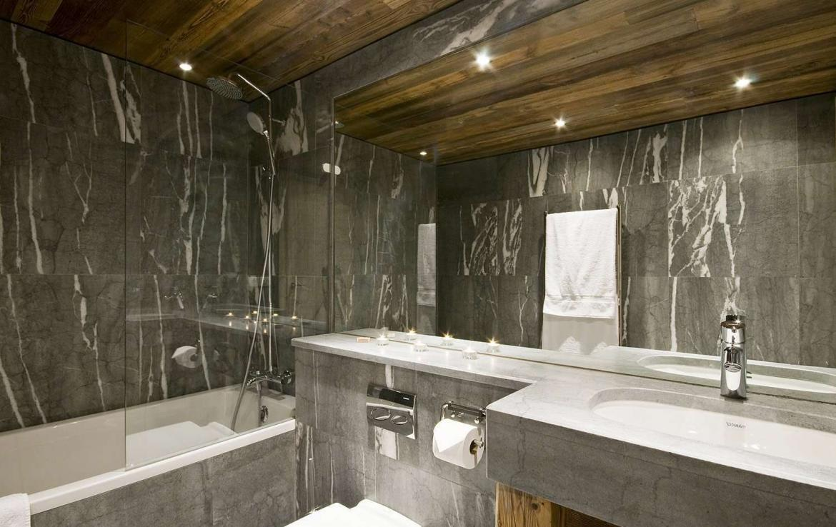 Kings-avenua-val-disere-snow-chalet-sauna-jacuzzi-hammam-childfriendly-parking-fireplace-ski-in-ski-out-wine-cellar-massage-room-area-val-disere-008-11