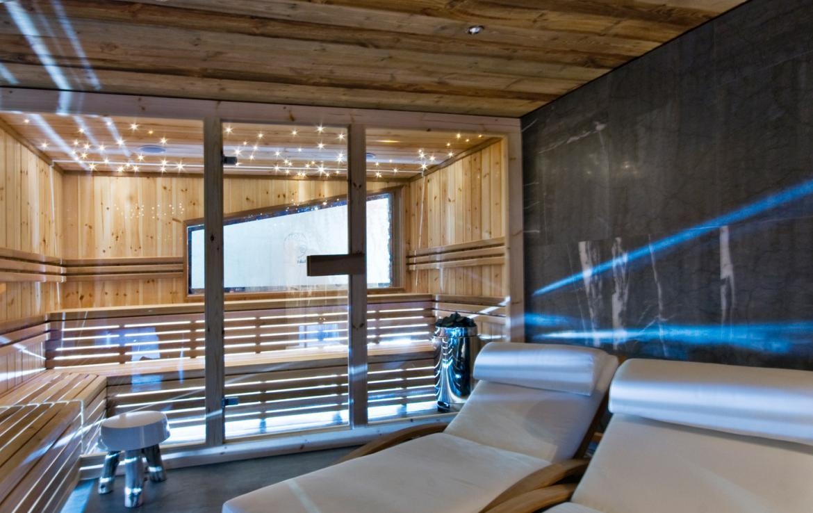 Kings-avenua-val-disere-snow-chalet-sauna-jacuzzi-hammam-childfriendly-parking-fireplace-ski-in-ski-out-wine-cellar-massage-room-area-val-disere-008-14