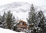 Kings-avenua-val-disere-snow-chalet-sauna-jacuzzi-hammam-childfriendly-parking-fireplace-ski-in-ski-out-wine-cellar-massage-room-area-val-disere-008-18