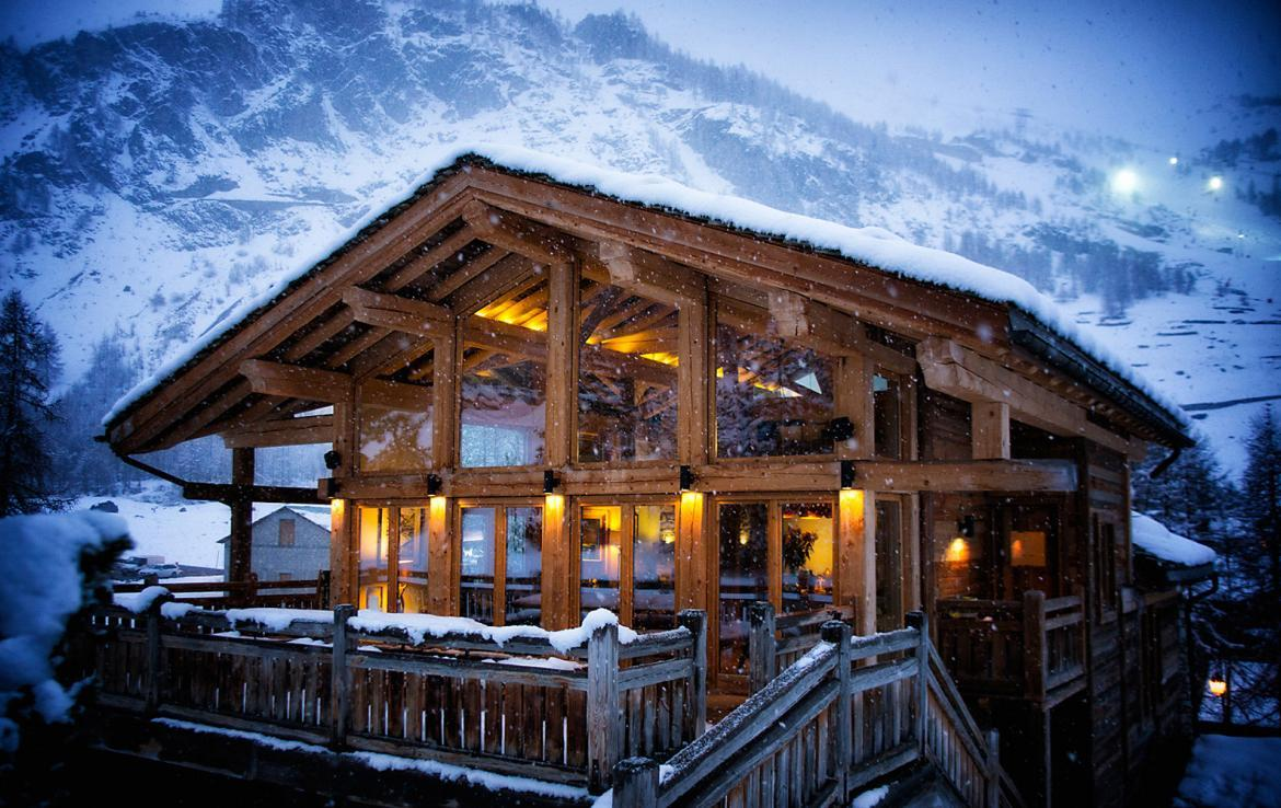 Kings-avenua-val-disere-snow-chalet-sauna-jacuzzi-hammam-childfriendly-parking-fireplace-ski-in-ski-out-wine-cellar-massage-room-area-val-disere-008-19
