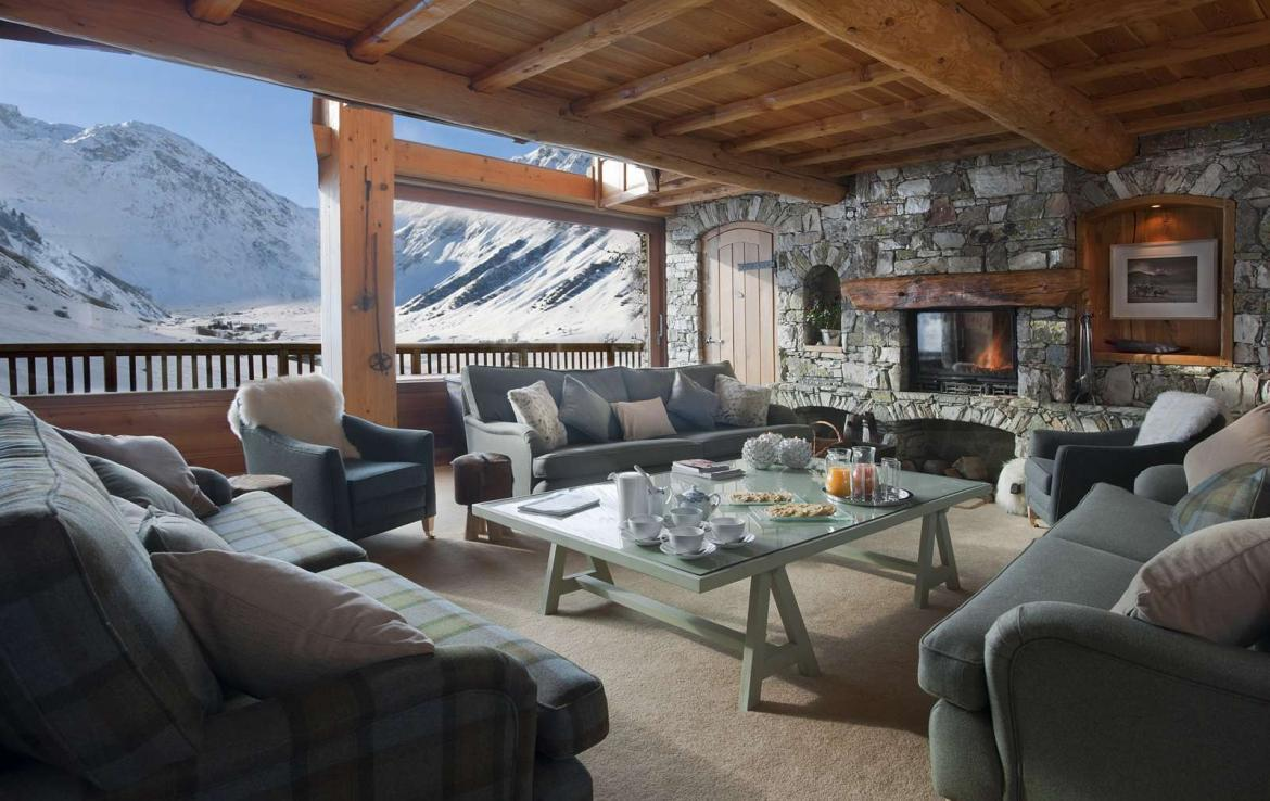 Kings-avenua-val-disere-snow-chalet-sauna-outdoor-jacuzzi-chidfriendly-kids-playroom-fireplace-boot-heaters-ski-in-ski-out-hot-tubs-massage-room-area-val-disere-004-5