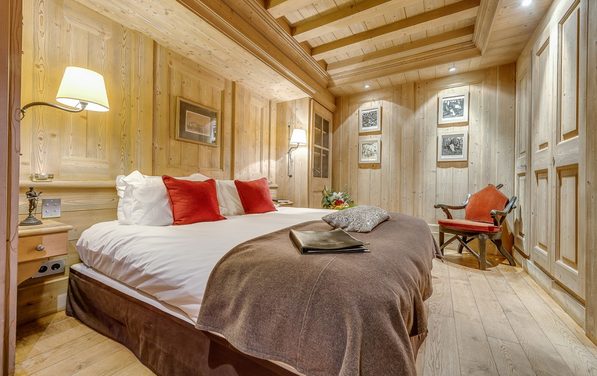 Kings-avenua-val-disere-snow-chalet-sauna-swimming-pool-childfriendly-parking-boot-heaters-fireplace-ski-in-ski-out-lift-terrace-area-val-disere-010-17