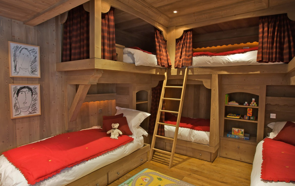 Kings-avenua-val-disere-snow-chalet-sauna-swimming-pool-childfriendly-parking-boot-heaters-fireplace-ski-in-ski-out-lift-terrace-area-val-disere-010-18