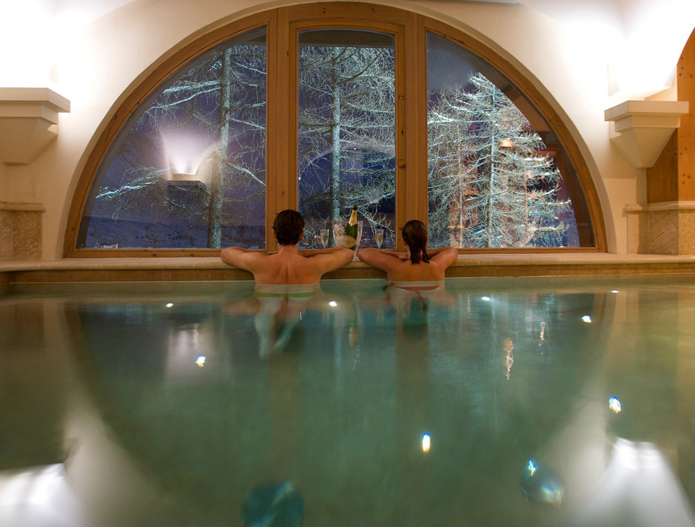 Kings-avenua-val-disere-snow-chalet-sauna-swimming-pool-childfriendly-parking-boot-heaters-fireplace-ski-in-ski-out-lift-terrace-area-val-disere-010-20