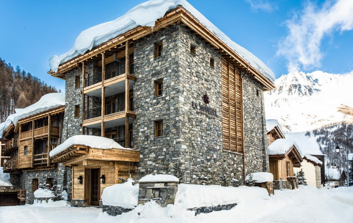 Kings-avenua-val-disere-snow-chalet-wifi-sauna-hammam-swimming-pool-childfriendly-cinema-boot-heaters-fireplace-massage-room-area-val-disere-005-16