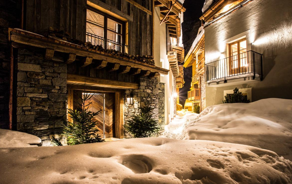 Kings-avenua-val-disere-snow-chalet-wifi-sauna-hammam-swimming-pool-childfriendly-cinema-boot-heaters-fireplace-massage-room-area-val-disere-005-18