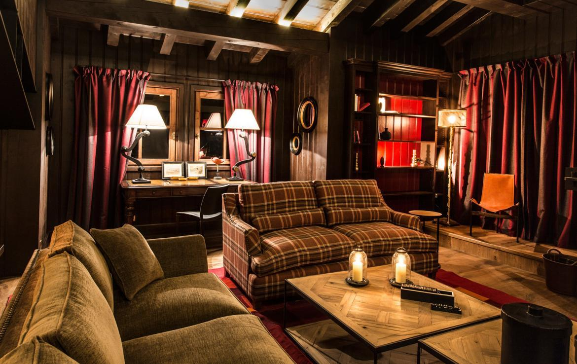 Kings-avenua-val-disere-snow-chalet-wifi-sauna-hammam-swimming-pool-childfriendly-cinema-boot-heaters-fireplace-massage-room-area-val-disere-005-3