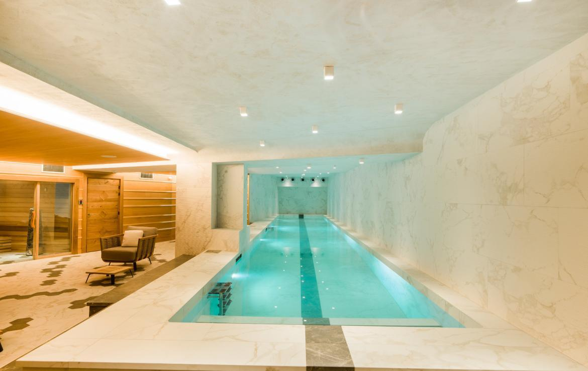 Kings-avenua-val-disere-snow-chalet-wifi-sauna-hammam-swimming-pool-childfriendly-parking-cinema-boot-heaters-fireplace-massage-room-spa-pool-area-val-disere-002-20