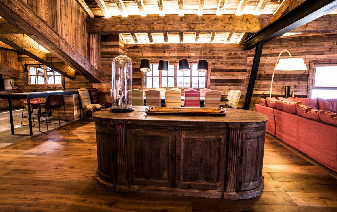 Kings-avenua-val-disere-snow-chalet-wifi-sauna-hammam-swimming-pool-childfriendly-parking-cinema-boot-heaters-fireplace-massage-room-spa-pool-area-val-disere-002-6