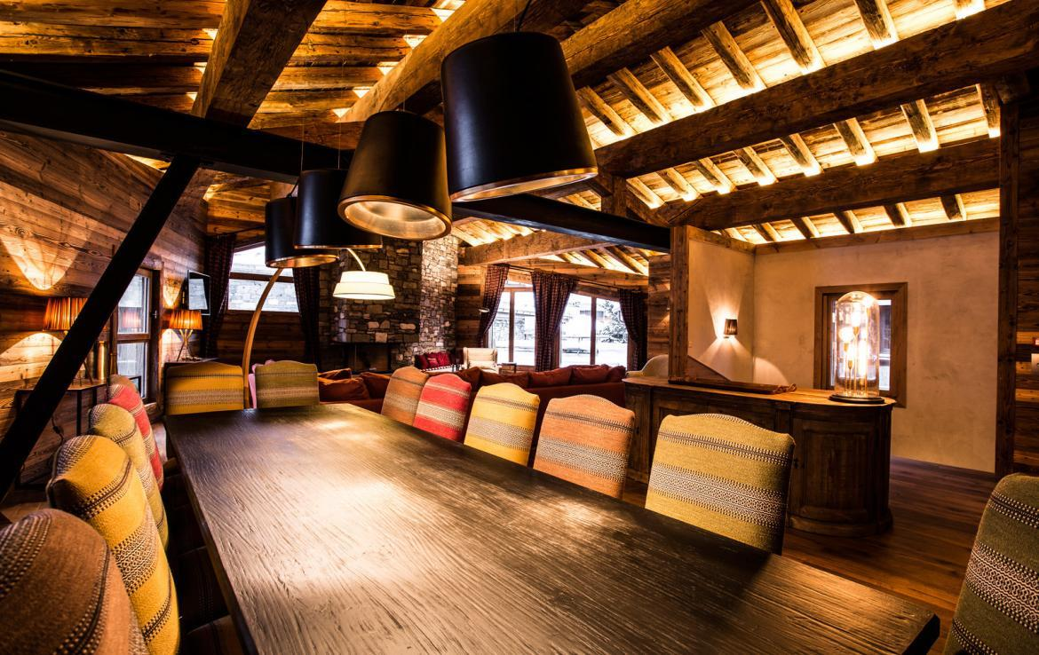 Kings-avenua-val-disere-snow-chalet-wifi-sauna-hammam-swimming-pool-childfriendly-parking-cinema-boot-heaters-fireplace-massage-room-spa-pool-area-val-disere-002-7