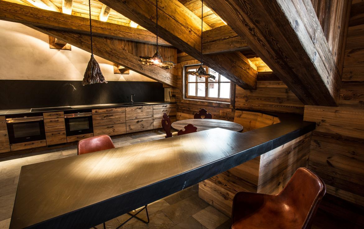 Kings-avenua-val-disere-snow-chalet-wifi-sauna-hammam-swimming-pool-childfriendly-parking-cinema-boot-heaters-fireplace-massage-room-spa-pool-area-val-disere-002-8