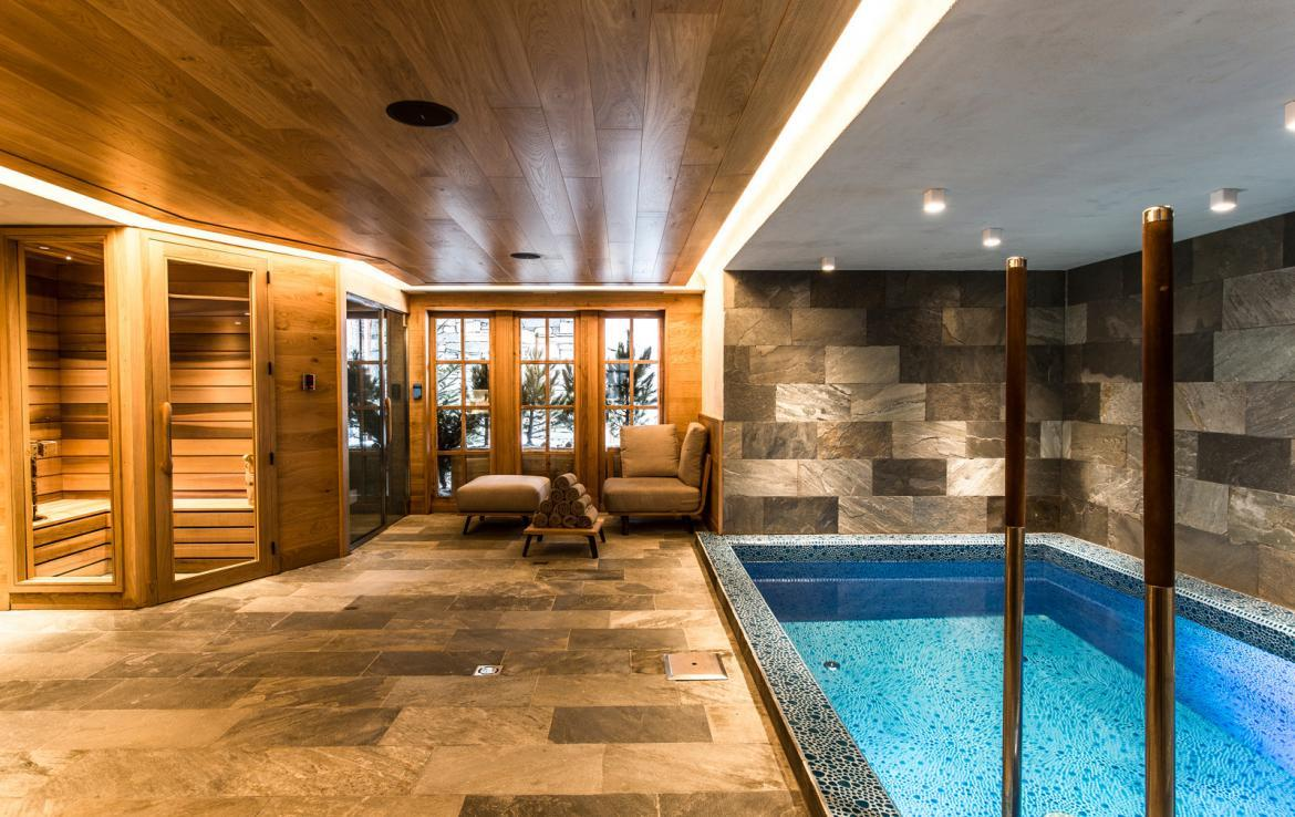 Kings-avenua-val-disere-snow-chalet-wifi-sauna-hammam-swimming-pool-childfriendly-parking-cinema-boot-heaters-fireplace-massage-room-spa-pool-area-val-disere-002-9