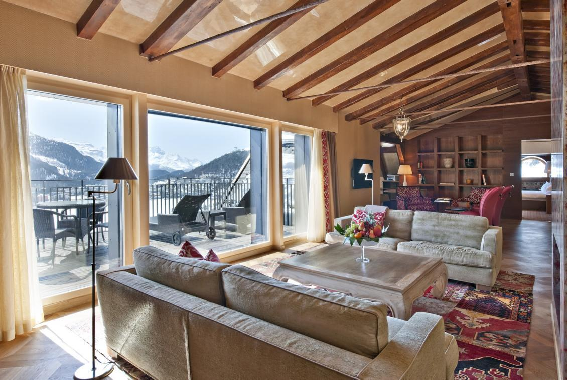 Kings-avenua-val-disere-snow-penthouse-tv-hifi-telephone-wifi-sauna-jacuzzi-hammam-swimming-pool-childfriendly-parking-fireplace-area-st-mortiz-011