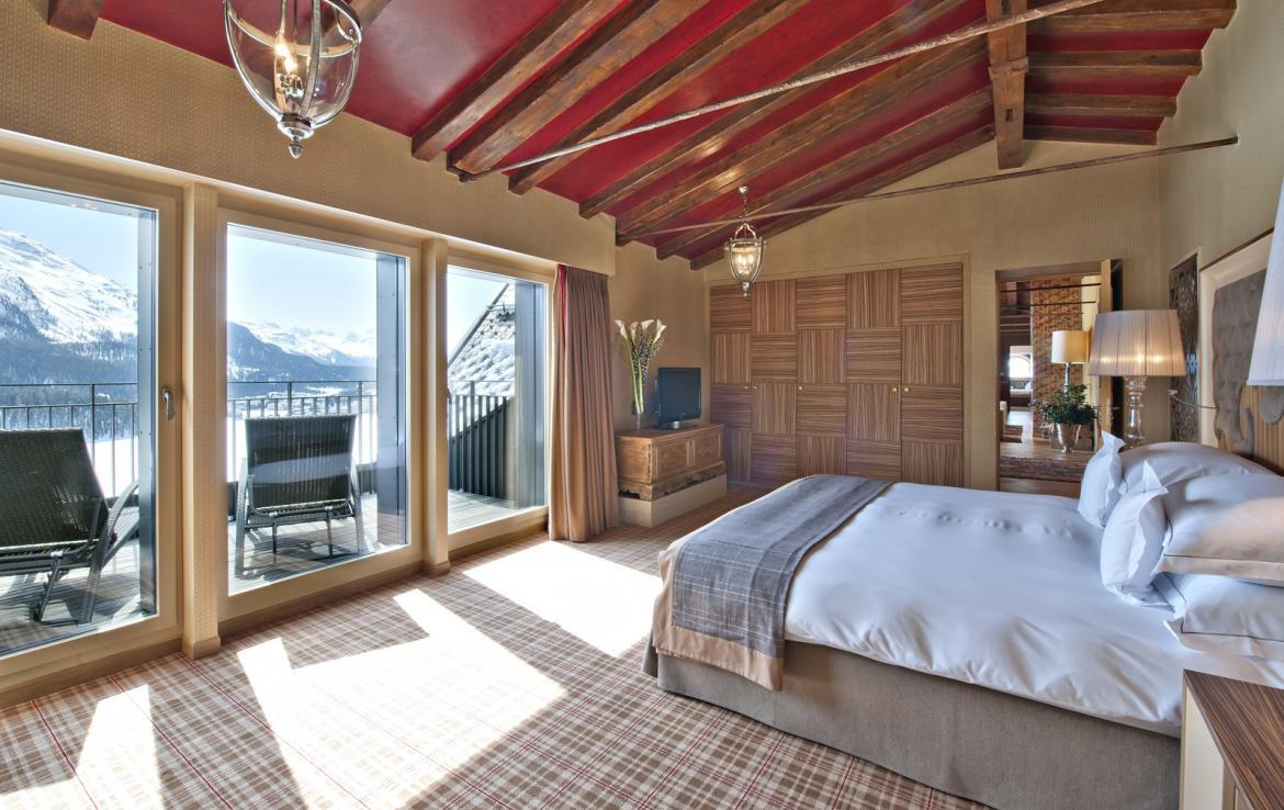 Kings-avenua-val-disere-snow-penthouse-tv-hifi-telephone-wifi-sauna-jacuzzi-hammam-swimming-pool-childfriendly-parking-fireplace-area-st-mortiz-011-13
