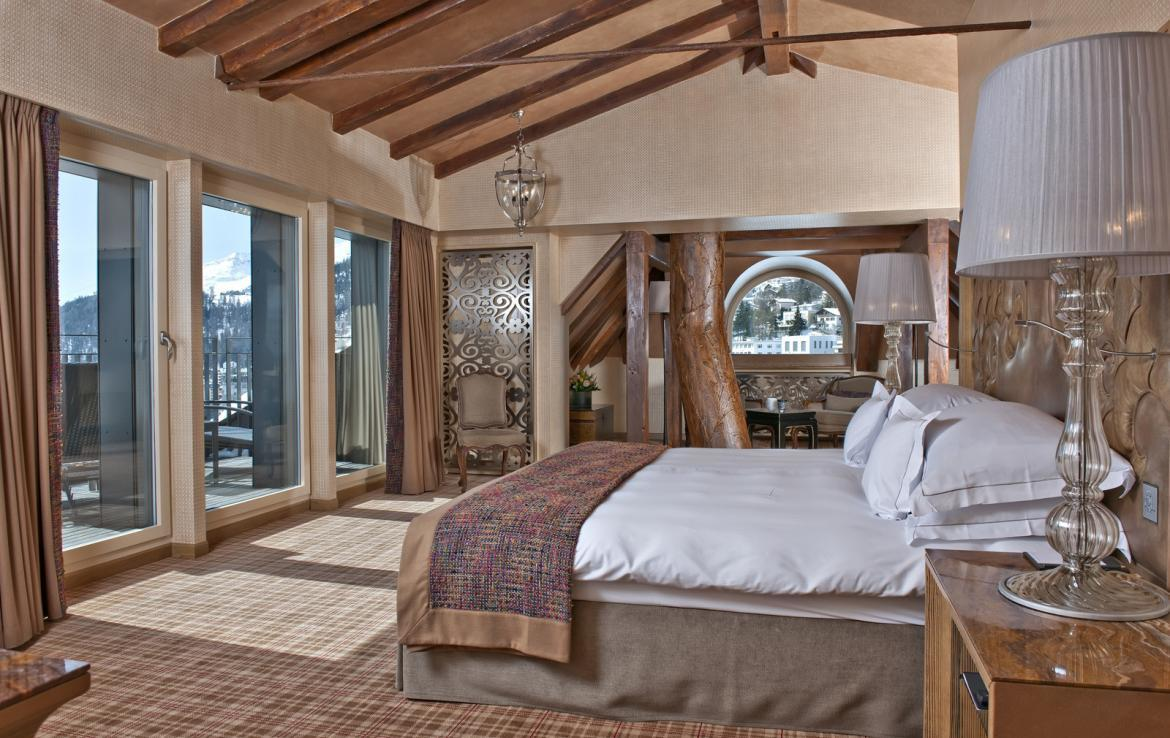 Kings-avenua-val-disere-snow-penthouse-tv-hifi-telephone-wifi-sauna-jacuzzi-hammam-swimming-pool-childfriendly-parking-fireplace-area-st-mortiz-011-8