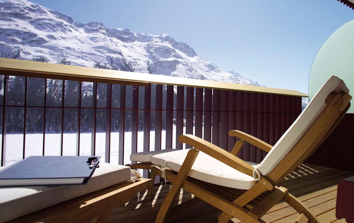 Kings-avenua-val-disere-snow-suite-wifi-satellite-childfriendly-parking-boot-heaters-fireplace-spa-area-st-mortiz-009-7
