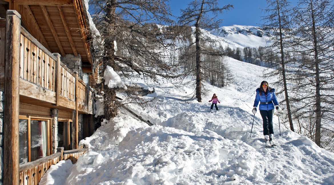Kings-avenua-val-disere-snow-wifi-childfriendly-boot-heaters-fireplace-ski-in-ski-out-outdoor-tubs-treatment-room-sauna-welness-area-val-disere-015-3