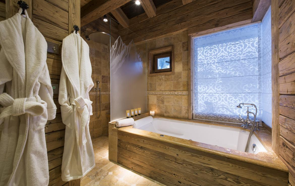 Kings-avenua-verbier-sauna-jacuzzi-hammam-swimming-pool-childfriendly-parking-cinema-gym-boot-heaters-fireplace-massage-room-wine-cellar-area-verbier-006-22