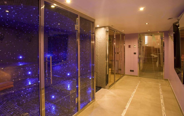 Kings-avenue-chamonix-hammam-parking-cinema-games-room-boot-heaters-fireplace-spa-pool-jacuzzi-steam-room-area-chamonix-008-8