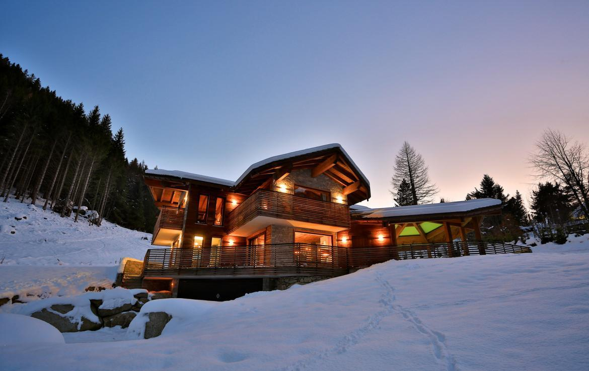 Kings-avenue-chamonix-parking-gym-fireplace-swimming-pool-spa-sauna-steam-room-tv-ski-boot-room-area-chamonix-002