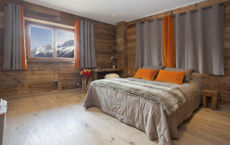 Kings-avenue-chamonix-sauna-jacuzzi-hammam-parking-kids-playroom-boot-heaters-fireplace-ski-in-ski-out-area-chamonix-007-13