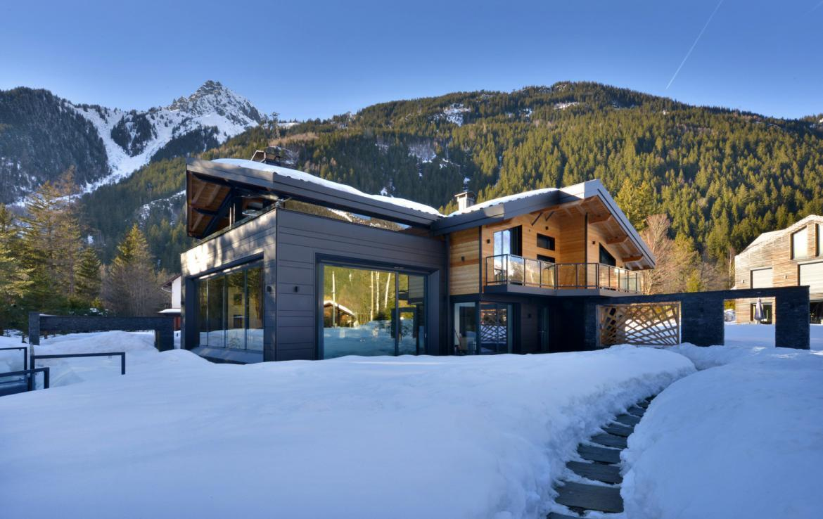 Kings-avenue-chamonix-sauna-jacuzzi-swimming-pool-parking-cinema-boot-heaters-fireplace-terrace-area-chamonix-004-20