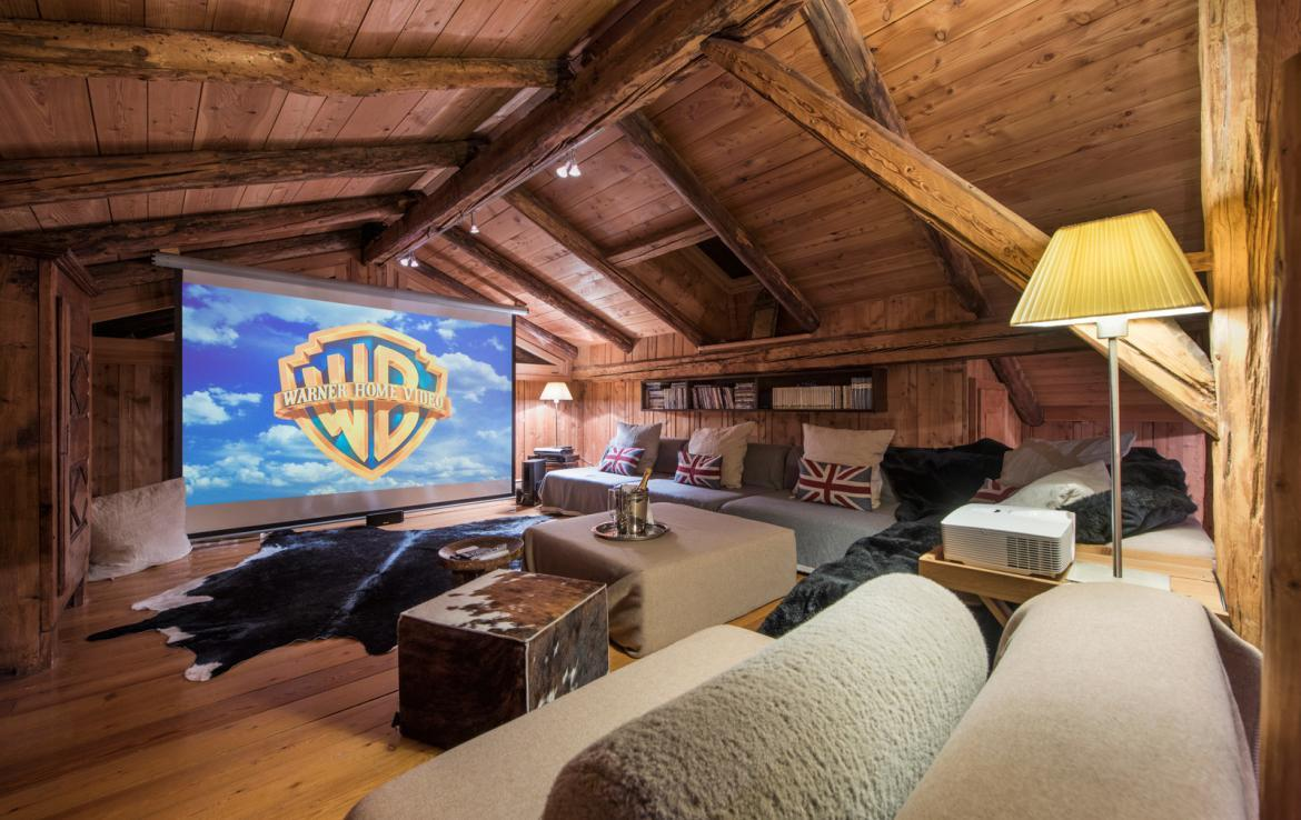 Kings-avenue-charmonix-jacuzzi-childfriendly-parking-cinema-kids-playroom-boot-heaters-fireplace-library-private-garden-area-charmonix-012-9