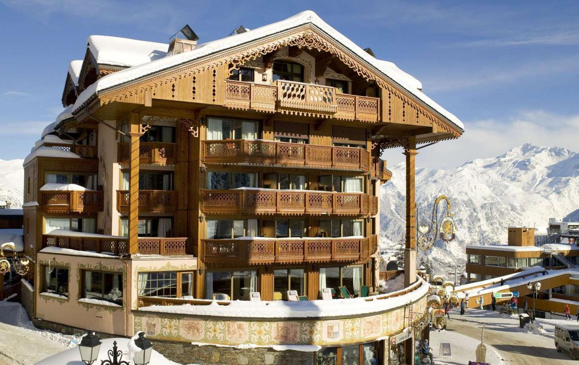 Kings-avenue-courchevel-dvd-tv-hifi-telephone-wifi-satelitte-childfriendly-boot-heaters-fireplace-ski-in-ski-out-area-courchevel-038
