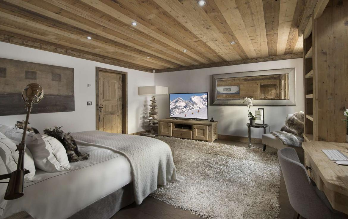 Kings-avenue-courchevel-hammam-swimming-pool-childfriendly-parking-cinema-boot-heaters-fireplace-ski-in-ski-out-lift-kids-playroom-gym-area-courchevel-015-12