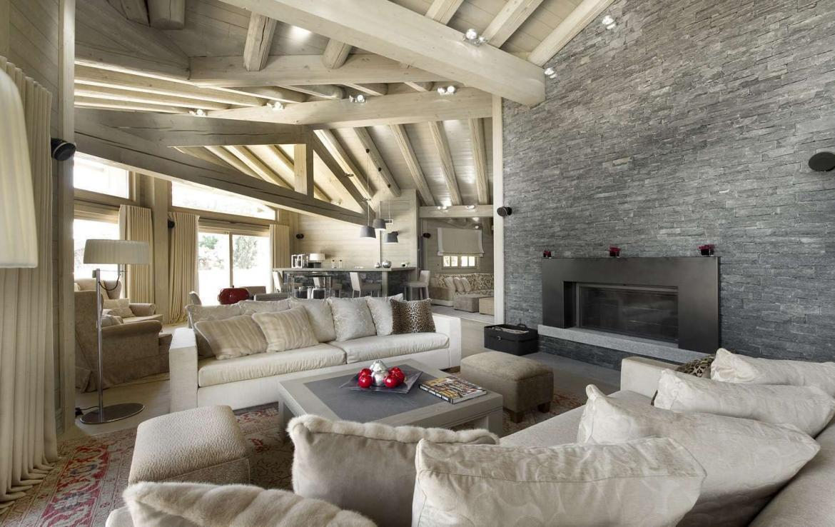 Kings-avenue-courchevel-hammam-swimming-pool-childfriendly-parking-cinema-boot-heaters-fireplace-ski-in-ski-out-lift-terrace-bar-library-area-courchevel-091-2
