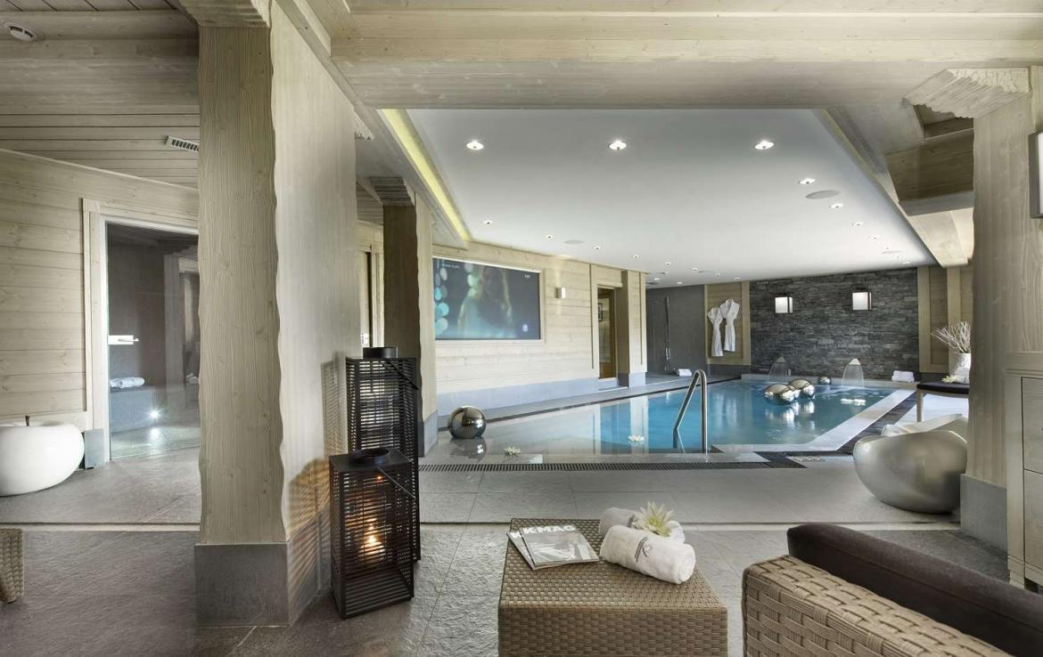 Kings-avenue-courchevel-hammam-swimming-pool-childfriendly-parking-cinema-boot-heaters-fireplace-ski-in-ski-out-lift-terrace-bar-library-area-courchevel-091-5